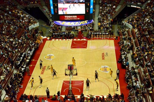 Lakers at Honda Center (1)