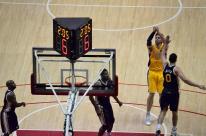 Lakers at Honda Center (3)