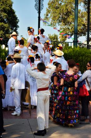 Costumes of Olvera Street (10)