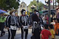 Costumes of Olvera Street (13)