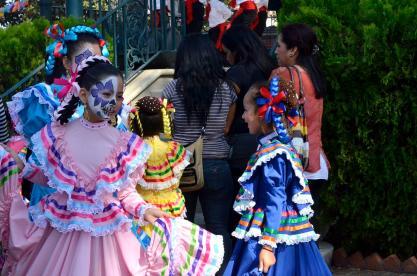 Costumes of Olvera Street (6)