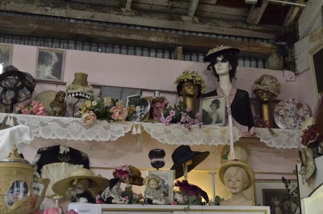 Mannequin heads (1)