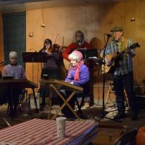 Band playing at Riley's Los Rios Rancho