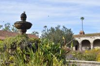 Landing at the Mission Fountain (4)