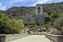 Catalina's Wrigley Memorial Garden (4)