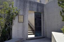 Catalina's Wrigley Memorial Garden (7)