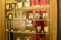 Fold Gallery and Curio Shop at The Last Bookstore (9)