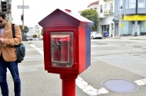 focusing-on-red-in-san-francisco-5