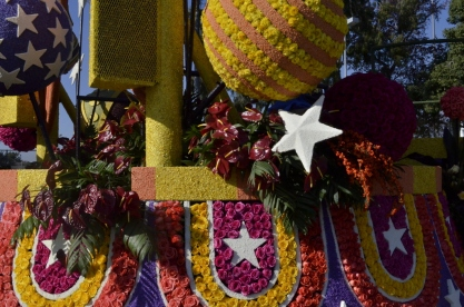 Closeups of Rose Parade Floats (1)