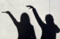 Kat and me, shadow selfies like the one we took in 2012/13 that we've used as our blog identifier