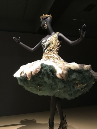 Gao Pei Exhibit at Bowers Museum (22)